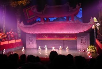 ベトナム伝統芸能!水上人形劇と夕食