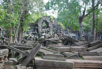 【REPH08-2】<(サザンブリーズカンボジア)>ベンメリア遺跡,ランチはChanty Treeで(昼食・チケット・ガイド付)